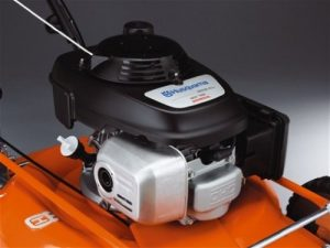 The Husqvarna 7021P features an 160cc Honda GCV160 Carb-Compliant Engine