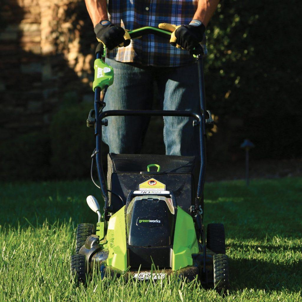GreenWorks 2500502 19-Inch Cordless Lawn Mower