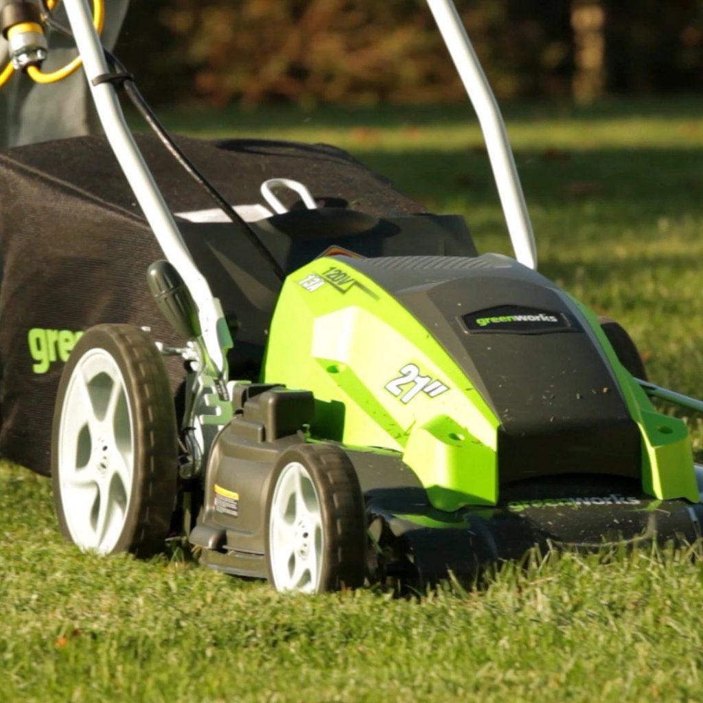 GreenWorks 25112 13 Amp Lawn Mower