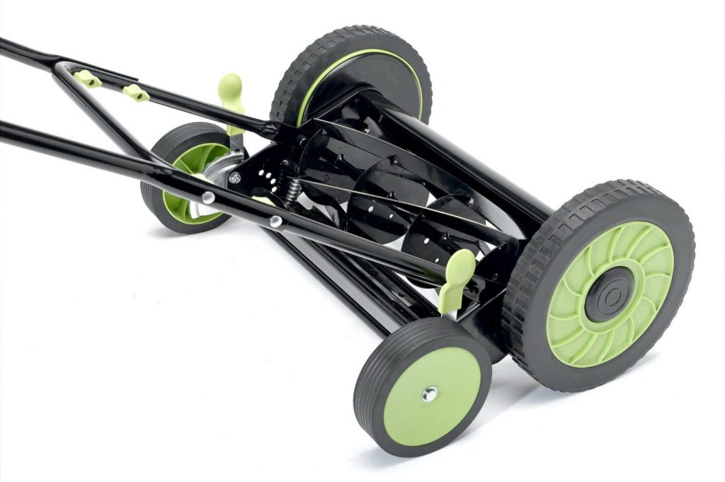 LawnMaster LMRM1601 16-inch Reel Mower close-up